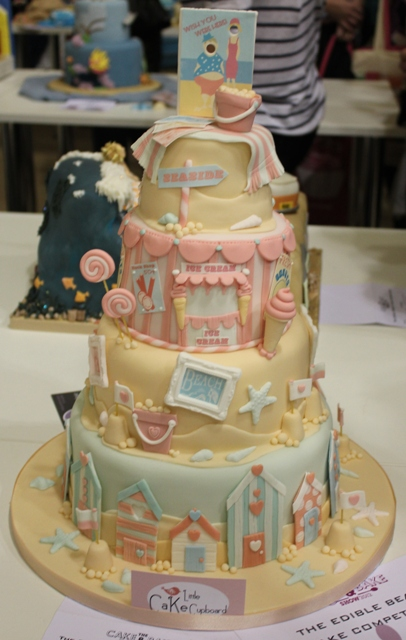 Want to SEA some insanely well decorated seaside themed cakes They SHORE are great  Style