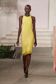 2017-catwalk-ralph-lauren-yellow
