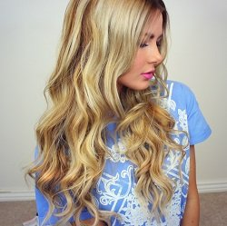 Loose Curl Hair Style