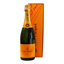 mother-day-gift-guide-veuve-clicquot-and-box