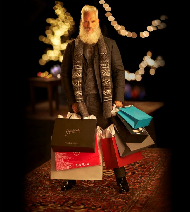 Santa_with_Bags5