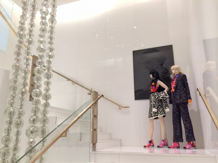 chanel-avenue-montaigne-store-2