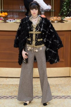 chanel-fall-2015-brasserie-collection-13