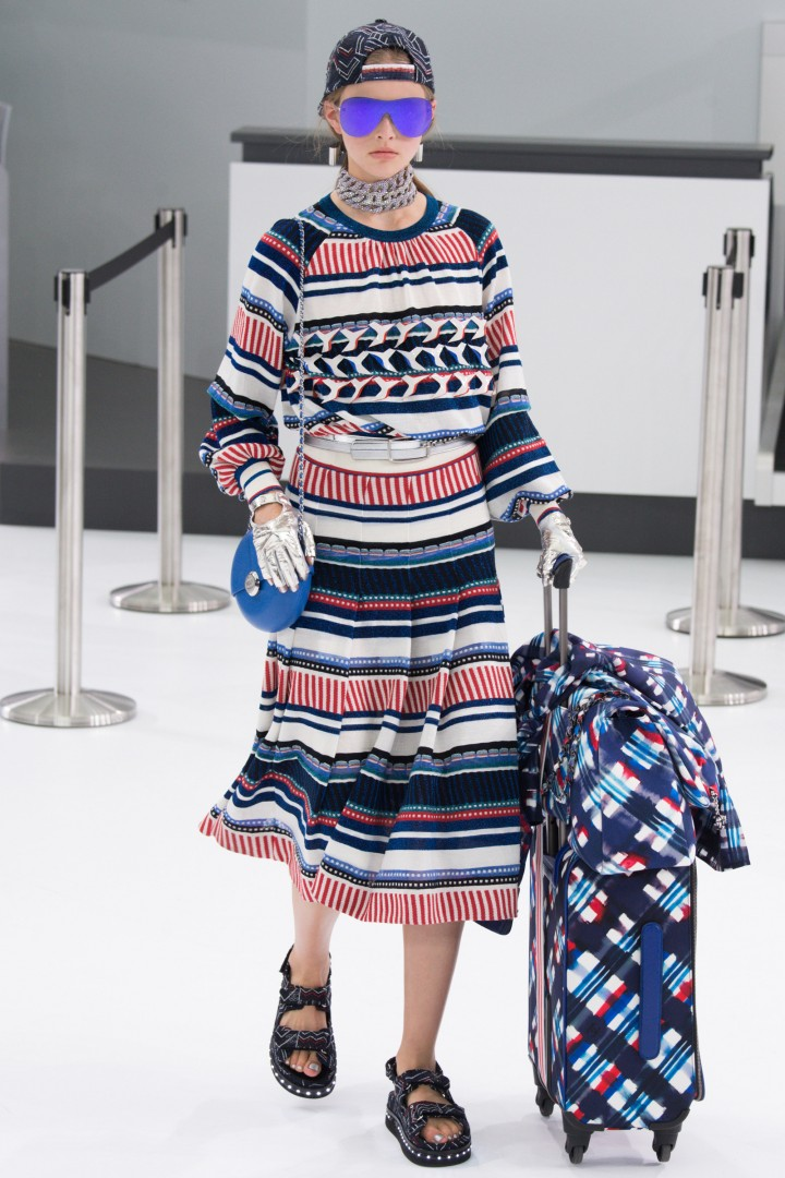 chanel-airlines-spring-2016-collection-6