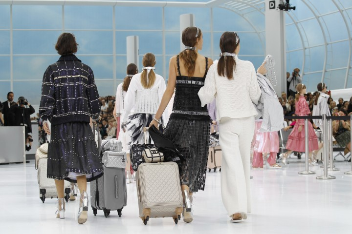 chanel-airlines-spring-2016-collection-atmosphere3