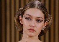 chanel-haute-couture-spring-2016-bella-hadid-earrings