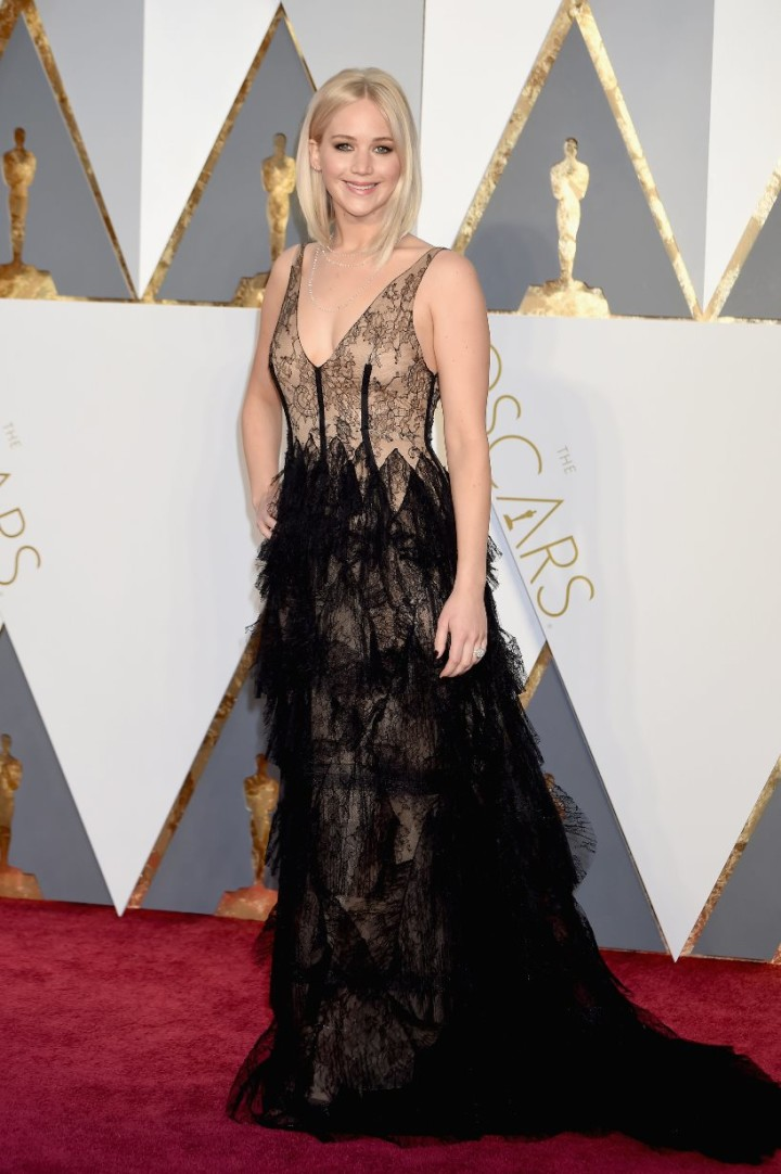 The-Oscars-2016-Worst-dressed-Jennifer-Lawrence