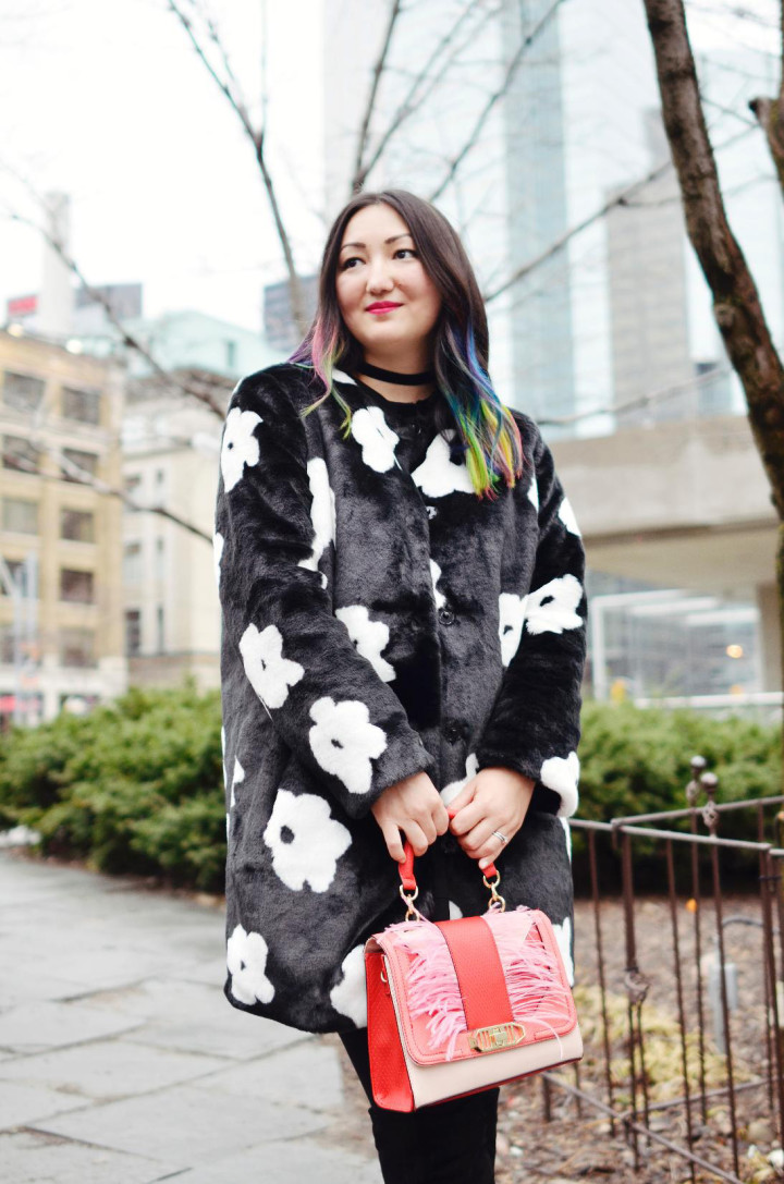 toronto-fashion-week-street-style-2016-daisy-faux-fur-coat-rainbow-hair
