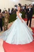 Met-Gala-2016-Claire-Danes-Light-Up-Dress