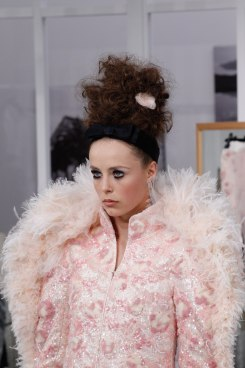 chanel-haute-couture-fall-2016-details2
