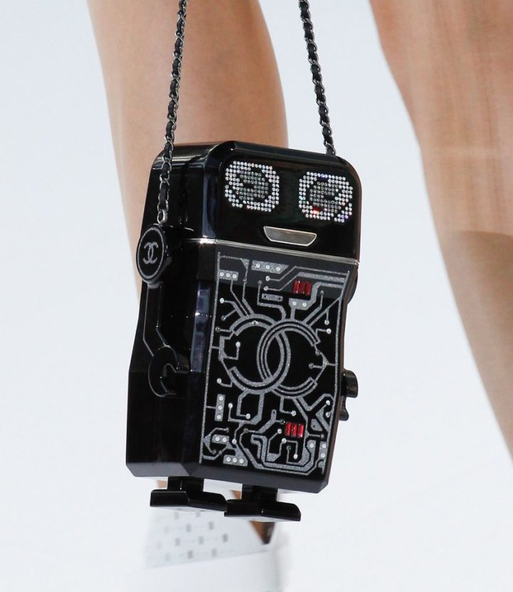 chanel-spring-2017-rtw-collection-robot-bag