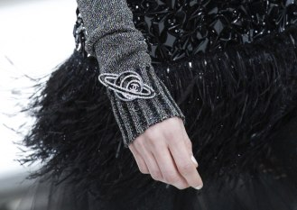 chanel-fall-2017-bags-accessories-brooch-planet
