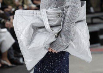 chanel-fall-2017-bags-accessories-tote