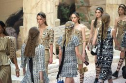 chanel-resort-2018-greece-runway