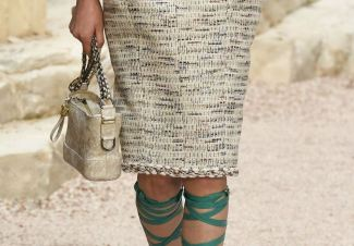 chanel-resort-2018-greece-velvet-mini-gabrielle