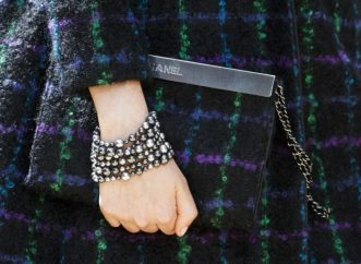 chanel-fall-2017-haute-couture-clutch
