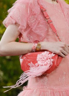 Chanel-Spring-Summer-2018-Collection-fanny-pack