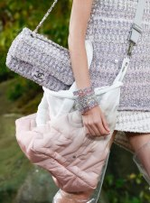 Chanel-Spring-Summer-2018-Collection-tweed-flap-bag