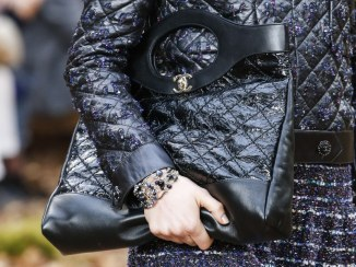 chanel-fall-winter-2018-collection-tote-2