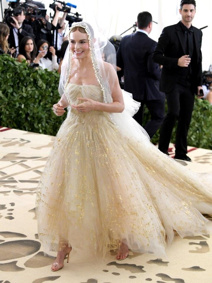 Kate Bosworth dans une robe de soirée princesse longue en tulle