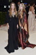 met-gala-2018-mary-kate-olsen-ashley-olsen