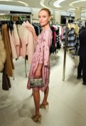 Holt-Renfrew-VOGUE-pop-up-Kate Bosworth (4)