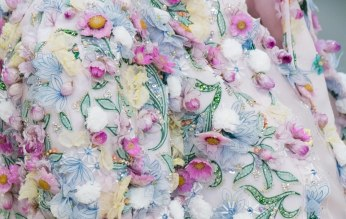 chanel-spring-2019-couture-flowers2