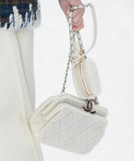 chanel-in-the-snow-fall-2019-collection-shearling-bag