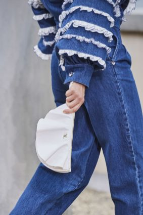 chanel-spring-summer-2020_ruffle-clutch