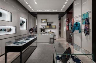 CHANEL_Montreal_boutique_Holt_Renfrew_Ogilvy (9)