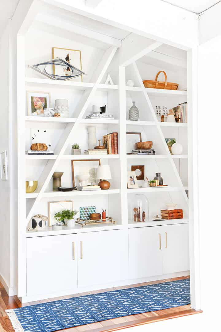 3 Steps to Styling Your Bookcase_Emily Henderson_midcentury_bookshelf_modern_blue_white_books_final
