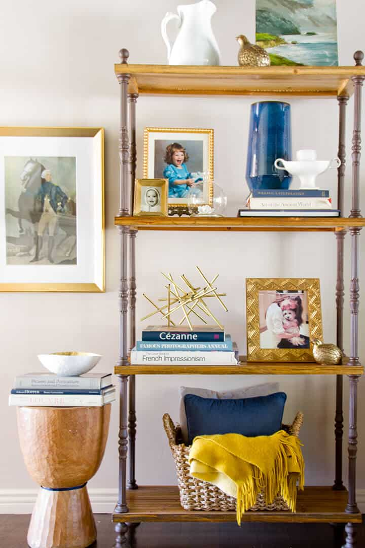 Simple_Bookcase_Styling