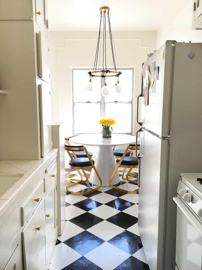 Brady Vinyl Kitchen Tile