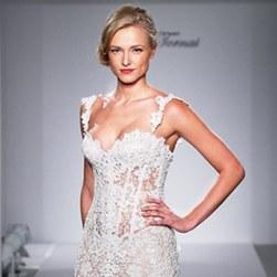 2014_bridescom-Runway-october-pnina-tornai-for-kleinfeld-wedding-dresses-fall-2015-pnina-tornai-for-kleinfeld-wedding-dresses-fall-2015-320