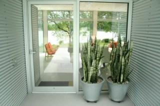 exterior 08 front door