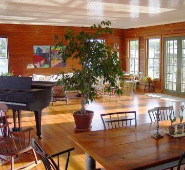 c living room piano