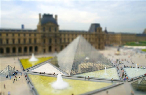Bryan-Solarski-Musee-du-Louvre,