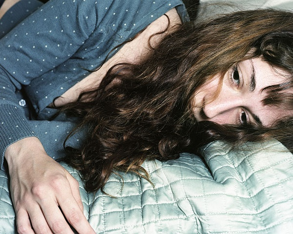 Anastasia-Caabon-lying-down