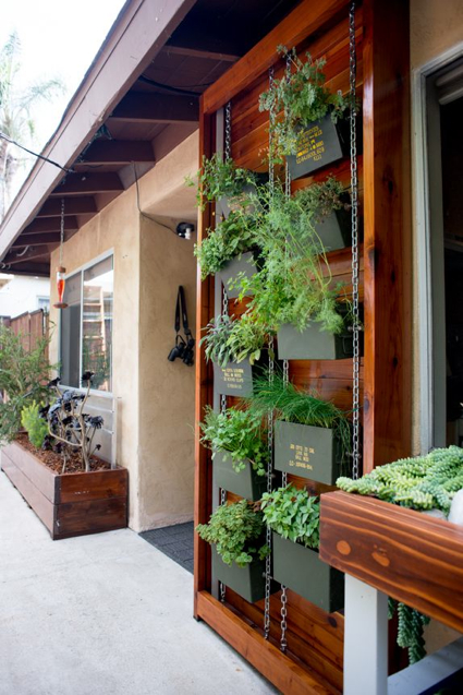 vertical-herb-garden