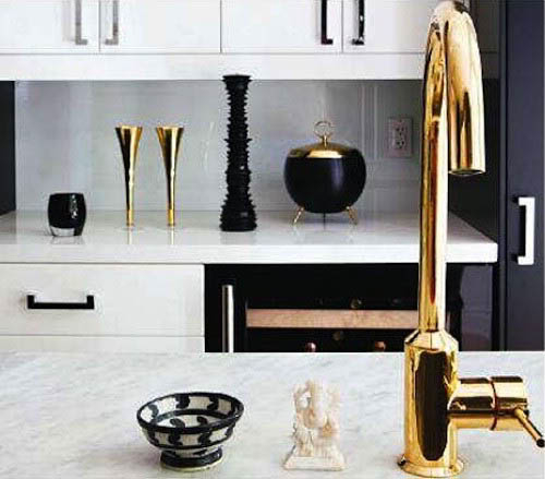 brass-faucet-black-details-kitchen