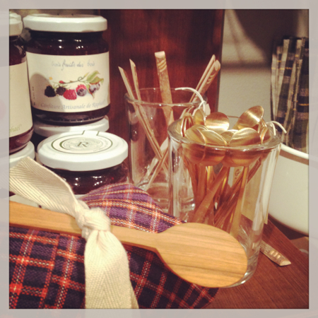 pod-boutique-wooden-spoons