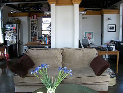 sharon-kitchens-living-room