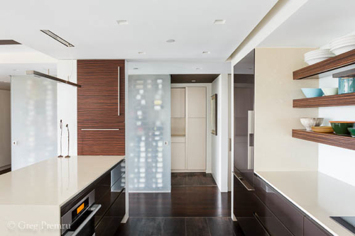 actwo-architects-wine-from-kitchen
