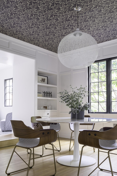 hacin-dining-rom-facing-shelves