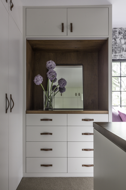 hacin-dressing-room-cabinetry