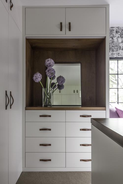 hacin-dressing-room-cabinetry