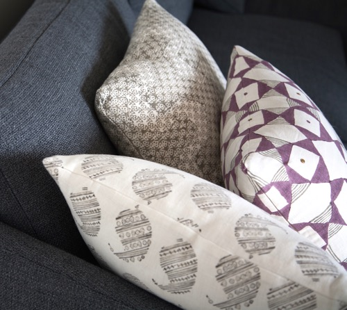seema-krish-hand-blocked-pillows