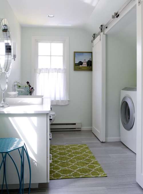 karen-swanson-bathroom-with-laundry