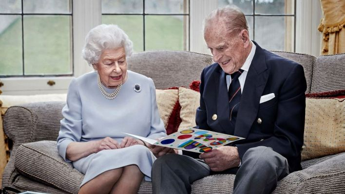 Queen's Easter Sunday 2021 Plans With Prince Philip: Royal Traditions |  StyleCaster