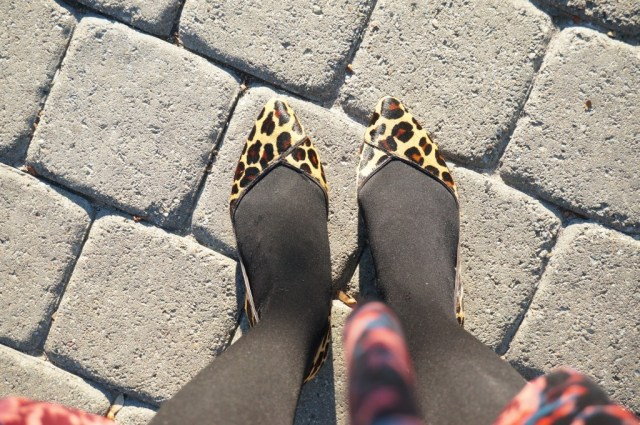 tory burch leopard flats ootd